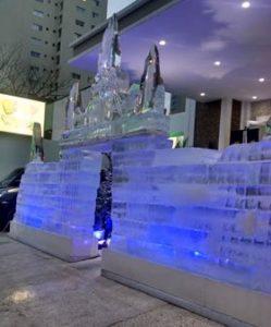 Exposição com Castelo de Gelo